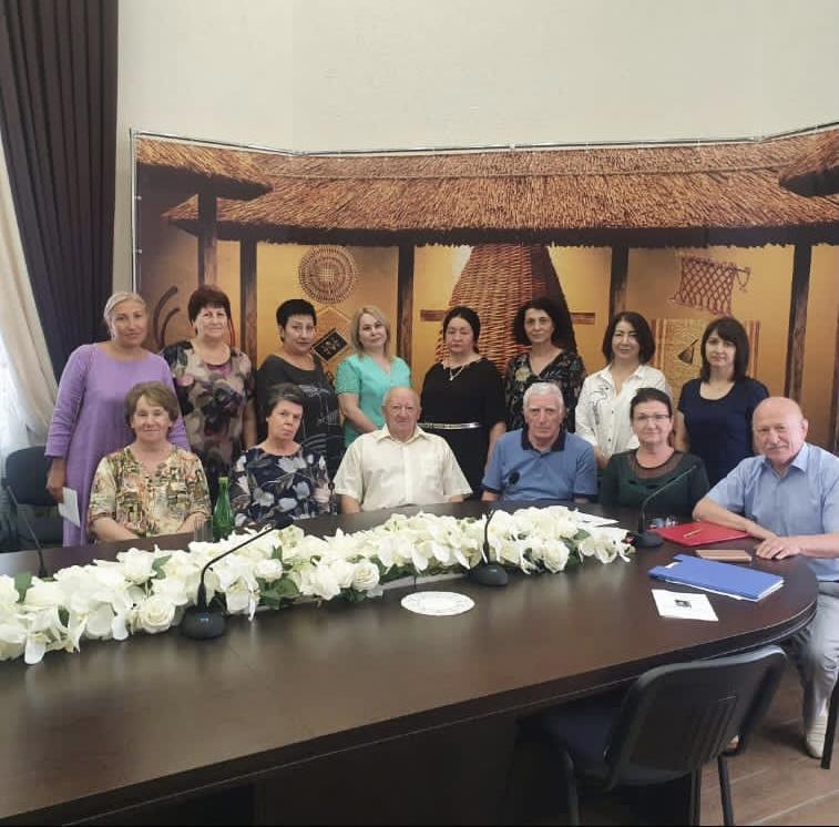 17 августа 2021 г. в АРИГИ им. Т.М. Керашева состоялся круглый стол «Адыгэ 1ор1отэ ш1эныгъэм и1ахьыш1у хиш1ыхьагъ», посвященный 85-летию со дня рождения Шамсудина Хаджасфаровича Хута